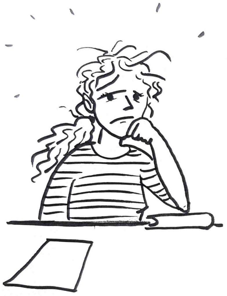 Eine Frau sitzt missmutig vor ihrer Lernaufgabe